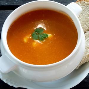 Tomato, basil and smokey bacon soup (Medium)