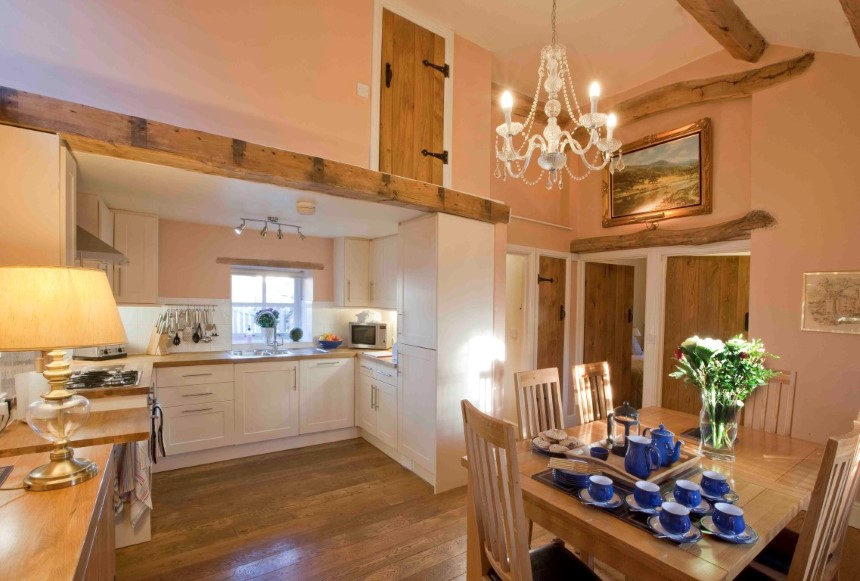 The Hayloft dining/kitchen