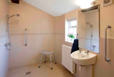 Accessible Bedroom ensuite wet room