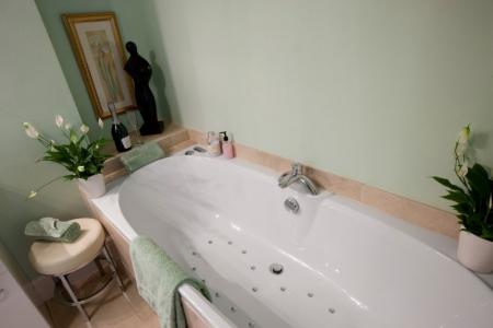 Hydro Bath